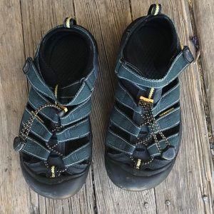 Keen Newport H2 waterproof hiking sandal